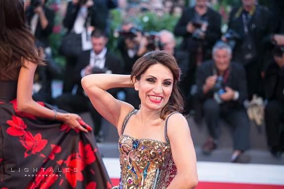 Paola Lavini Nude Photos 9