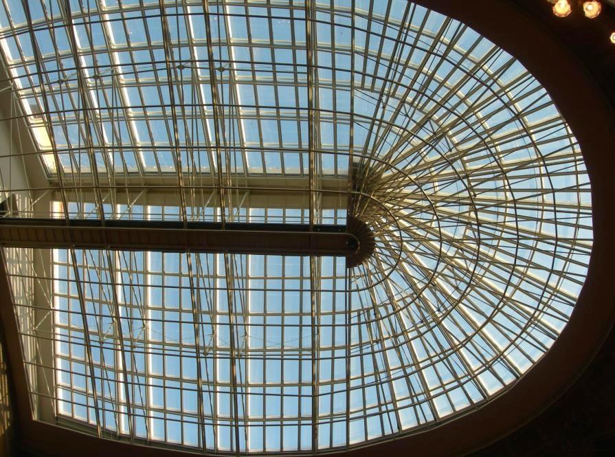Livorno_-Teatro_Goldoni-_volta con cupola apribile