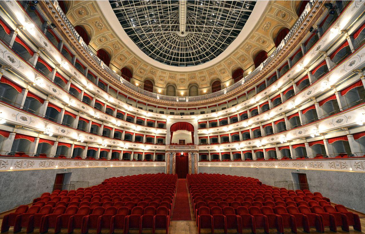 Teatro-Goldoni con cupola apribile